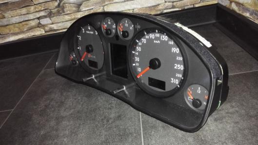 Instrumente / Ausstattung - C5 - Audi RS6 | RSCarparts - Audi RS ...