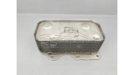 Wärmetauscher / Ölkühler / Audi A6 V8 S6 RS6 4B C5 / A8 V8 S8 D2 / 077117021N / 077117021Q